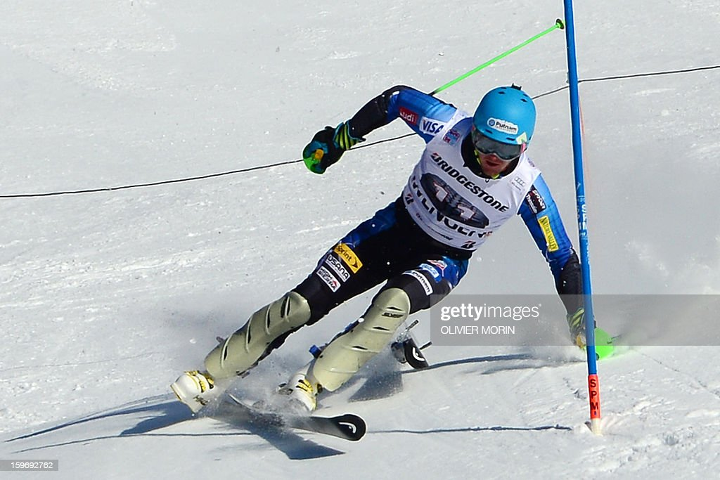 Ted Ligety of USA looses a ski during the men's World Cup Super Combined on January 18, 2013 in Wengen. France's Alexis Pinturault won ahead of Croatia's Ivica Kostelic and Switzerland's Carlo Janka.