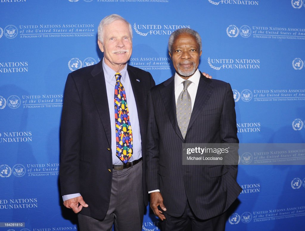 Ted Turner (L) and former Secretary General of the United Nations Kofi Annan attend the 2012 Global Leadership Awards Dinner at Cipriani 42nd Street on October 16, 2012 in New York City.