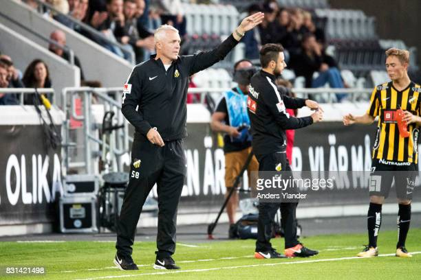 Teddy Olausson assistant coach of BK Hacken gives instructions during the Allsvenskan match between BK Hacken and GIF Sundsvall at Bravida Arena on...