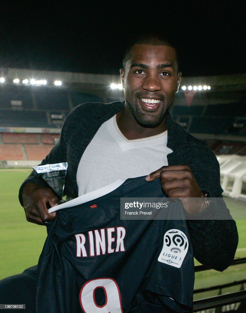 <a gi-track='captionPersonalityLinkClicked' href=/galleries/search?phrase=Teddy+Riner&family=editorial&specificpeople=4114927 ng-click='$event.stopPropagation()'>Teddy Riner</a> poses with his award during Best French Sportsman Of The Year 2011 elected by Radio France listeners at Parc des Princes on January 10, 2012 in Paris, France.
