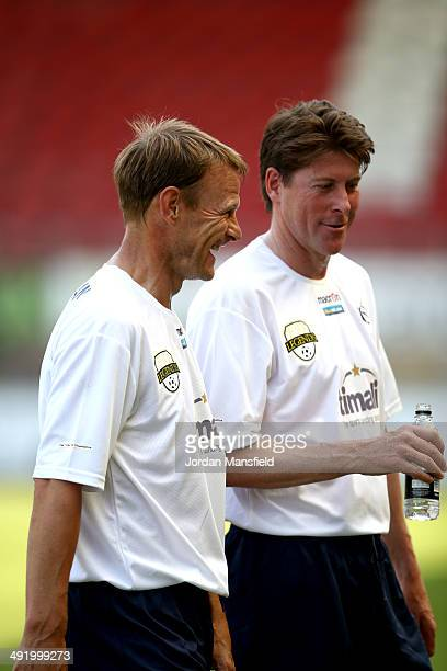 Teddy Sheringham and Darren Anderton of 'Super Spurs' chat to eachother during the Football30 Elite Legends Tournament at Brisbane Road on May 18...