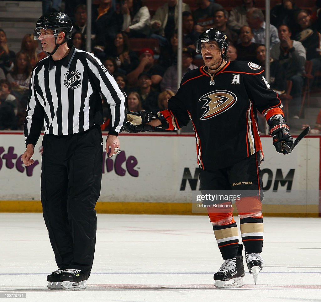 Teemu Selanne #8 of the Anaheim Ducks argues with linesman Mark Wheeler about a disallowed goal during the game against the Dallas Stars on April 5, 2013 at Honda Center in Anaheim, California.