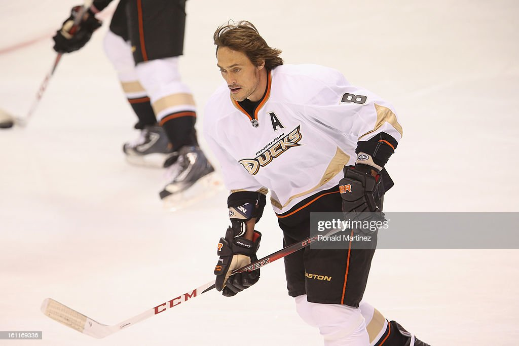 Teemu Selanne #8 of the Anaheim Ducks at American Airlines Center on February 8, 2013 in Dallas, Texas.