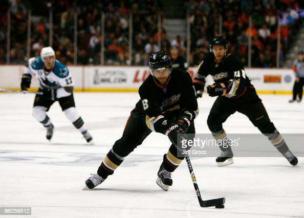 Teemu Selanne of the Anaheim Ducks controls the puck against the San Jose Sharks during Game Six of the Western Conference Quarterfinal Round of the...