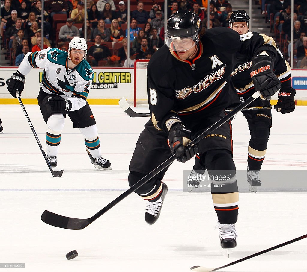 Teemu Selanne #8 of the Anaheim Ducks handles the puck during the game against the San Jose Sharks on March 18, 2013 at Honda Center in Anaheim, California.
