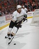 Teemu Selanne of the Anaheim Ducks skates against the Philadelphia Flyers at the Wachovia Center on October 10 2009 in Philadelphia Pennsylvania