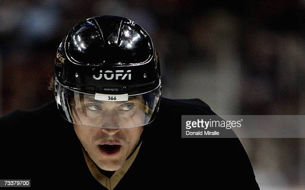 Teemu Selanne of the Anaheim Mighty Ducks looks on against the Vancouver Canucks during the first period of their NHL game on February 20 2007 at the...