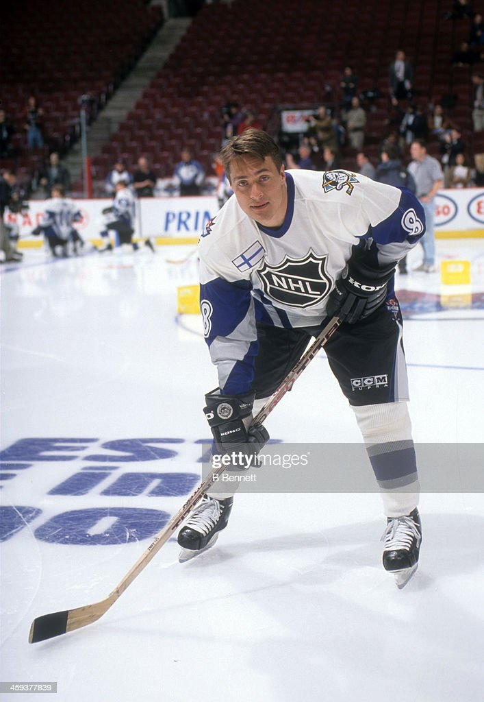 Teemu Selanne #8 of the World and Mighty Ducks of Anaheim poses for a portrait before the 1998 48th NHL All-Star Game against North America on January 18, 1998 at the General Motors Place in Vacouver, British Columbia, Canada.