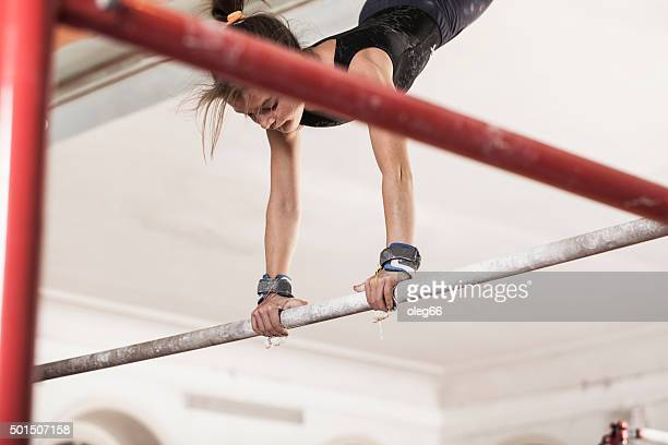 teen fille dans une salle de sport