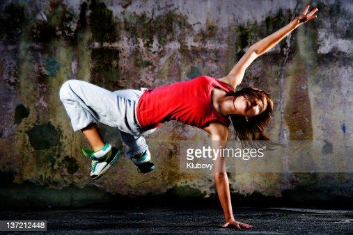 10 代のダンサー