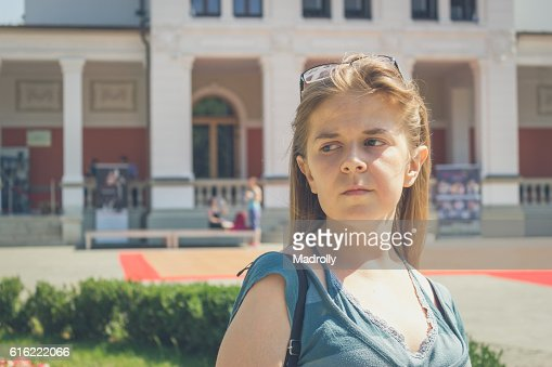 Teenage girl portrait with glasses : Stock-Foto