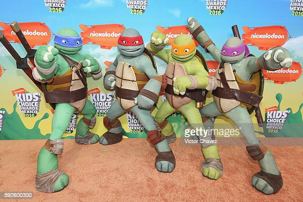 Teenage Mutant Ninja Turtles arrive at the Nickelodeon Kids' Choice Awards Mexico 2016 at Auditorio Nacional on August 20 2016 in Mexico City Mexico