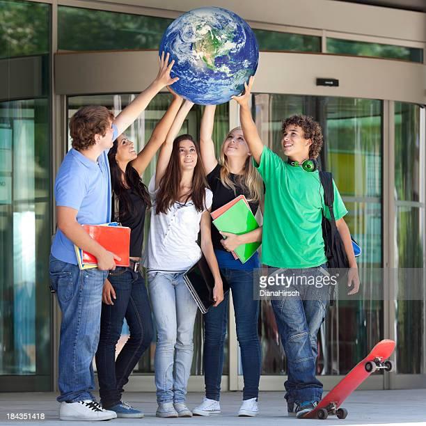 Adolescente di sollevare il mondo