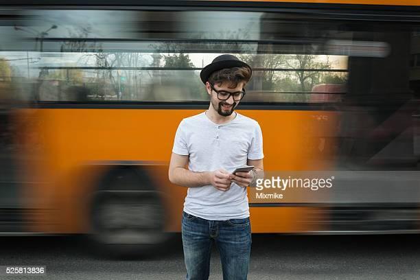 Adolescente mensagens no telemóvel