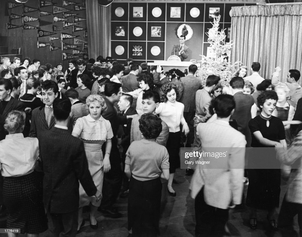 Teenagers dance on an episode of Dick Clark's television program 'American Bandstand' 1950s