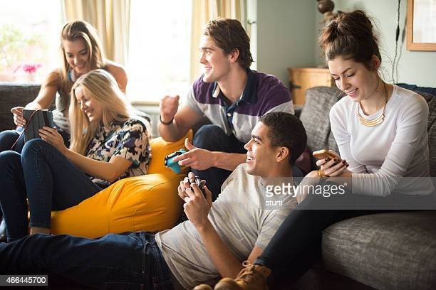 Adolescentes em Casa