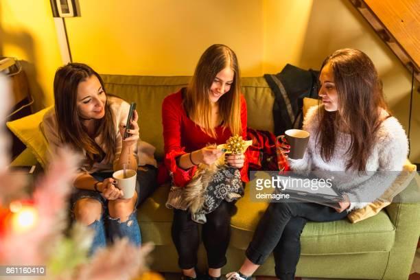 Teenagers make Christmas gifts