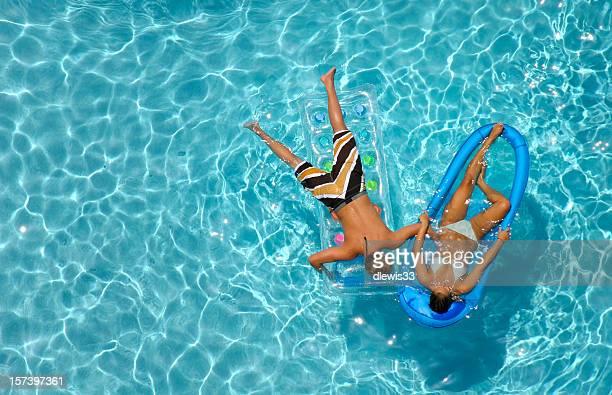 As adolescências na piscina
