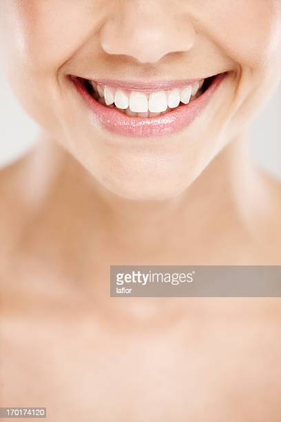 Dents si blancs qu'ils illuminent votre humeur