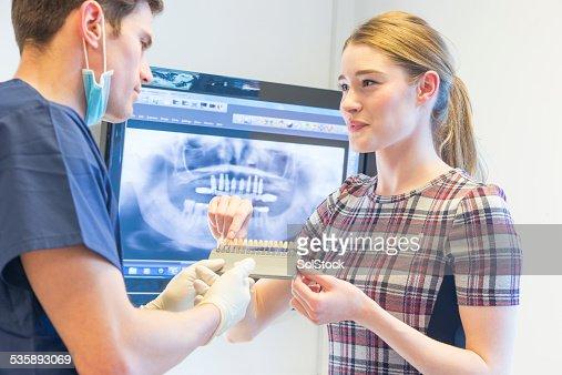Teeth Whitening Chart : Bildbanksbilder