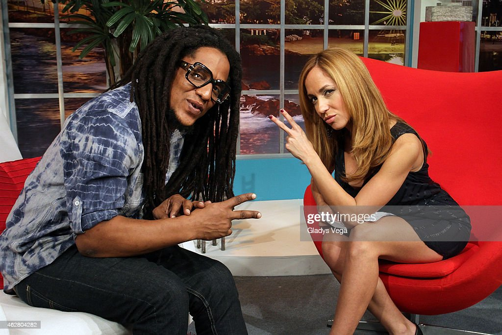 Tego Calderon and Alexandra Fuentes visit the Alexandra De Noche Show at Telemundo on February 5, 2015 in San Juan, Puerto Rico.