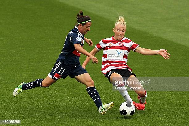 Teigen Allen of the Wanderers and Lisa De Vanna of the Victory compete for the ball during the round seven WLeague match between the Melbourne...