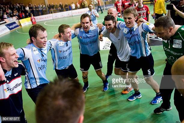 Tele2 Ligaen Celebrating Elite 3000 Helsingør players