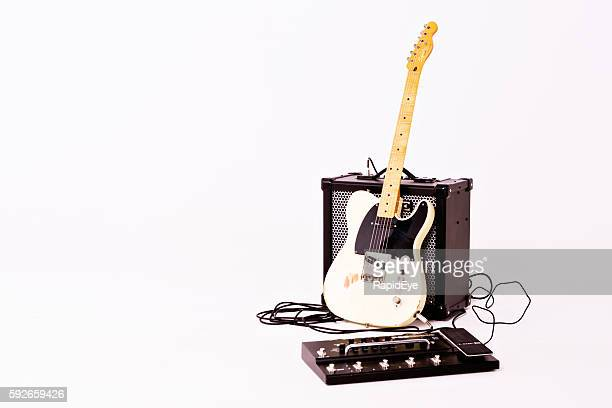 Telecaster Thinline from Squier with Roland Amp and mulit-effects unit