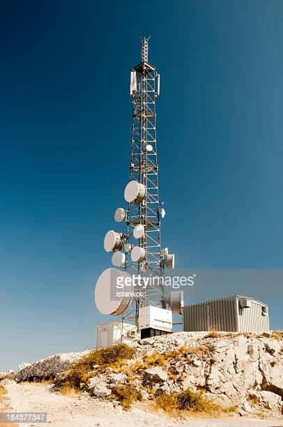 Tour de télécommunications-mât