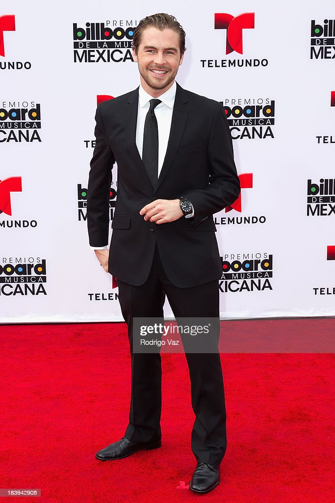 Telemundo presenter Julio Vaqueiro attends the 2013 Billboard Mexican Music Awards arrivals at Dolby Theatre on October 9, 2013 in Hollywood, California.