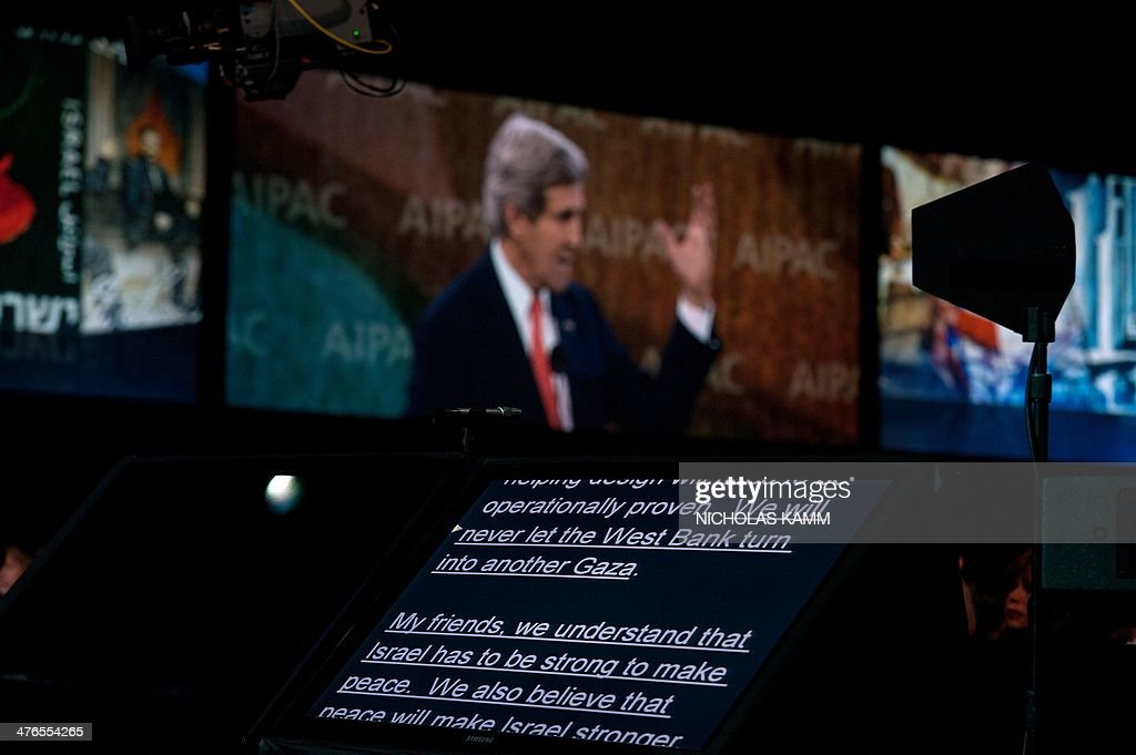 A teleprompter is seen as US Secretary of State John Kerry addresses the American Israel Public Affairs Committee (AIPAC) policy conference in Washington on March 3, 2014. AFP PHOTO/Nicholas KAMM