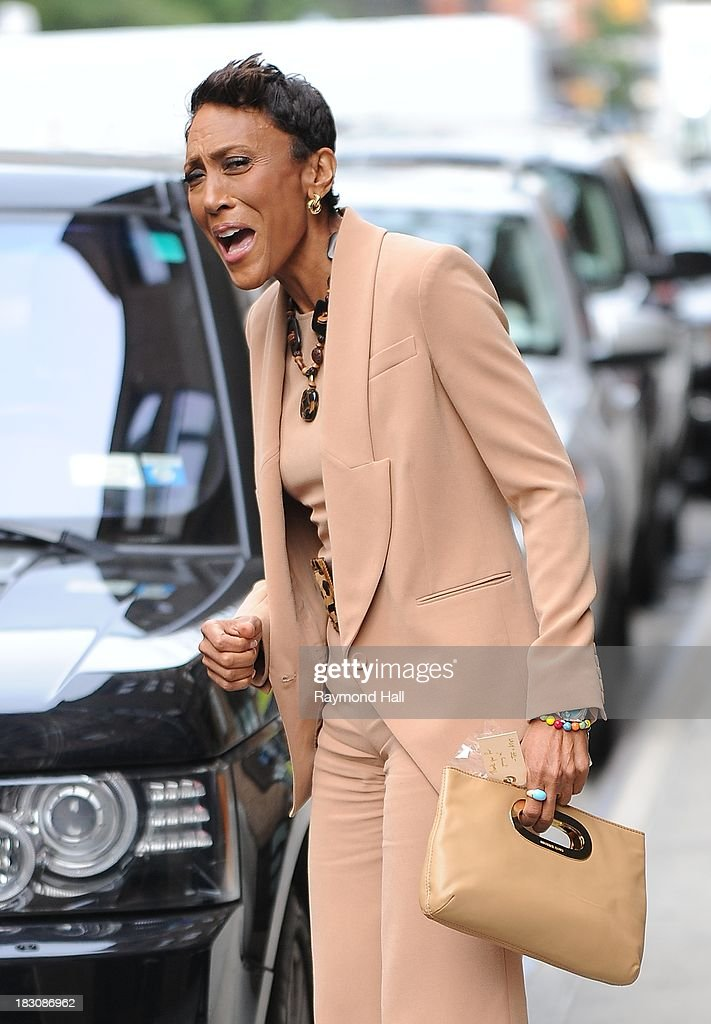 Television Broadcaster <a gi-track='captionPersonalityLinkClicked' href=/galleries/search?phrase=Robin+Roberts+-+Television+Anchor&family=editorial&specificpeople=4439371 ng-click='$event.stopPropagation()'>Robin Roberts</a> is seen in Soho on October 3, 2013 in New York City.