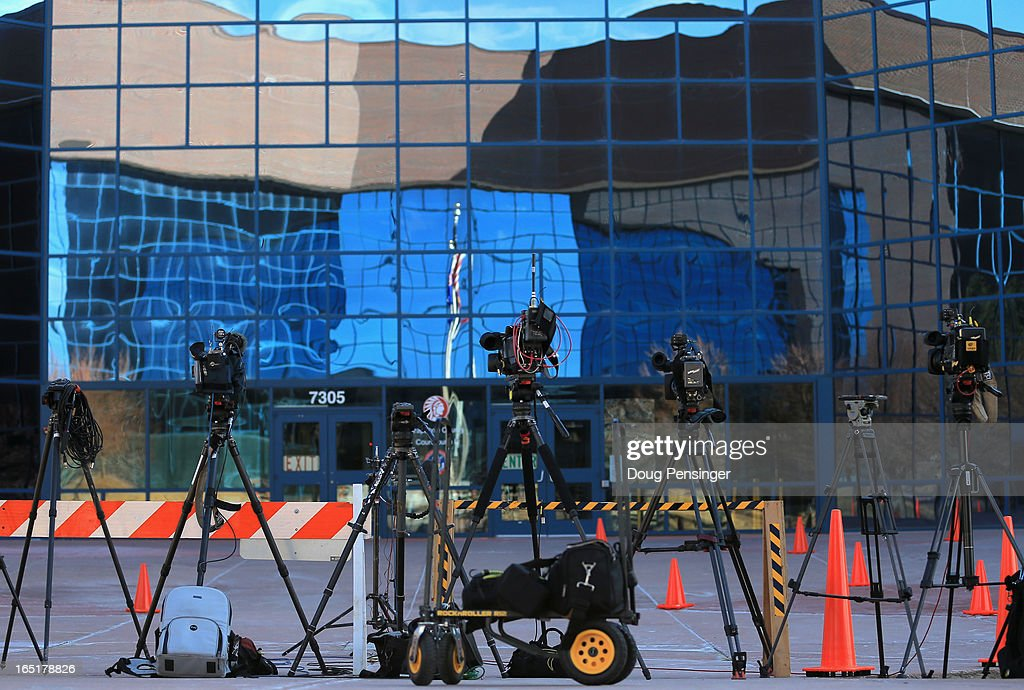 Television cameras sit ready outside the Arapahoe County Justice Center during a hearing on Aurora theater shooting suspect James Holmes on April 1, 2013 in Centennial, Colorado. Prosecutors have said they will seek the death penalty for suspect James Holmes, who is charged with 166 counts of murder, attempted murder and other crimes in the Aurora theater shooting on July 20, 2012.