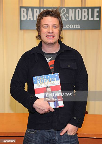 Television chef Jamie Oliver promotes 'Jamie's America Easy Twists on Great American Classics More' at Barnes Noble 5th Avenue on November 16 2010 in...
