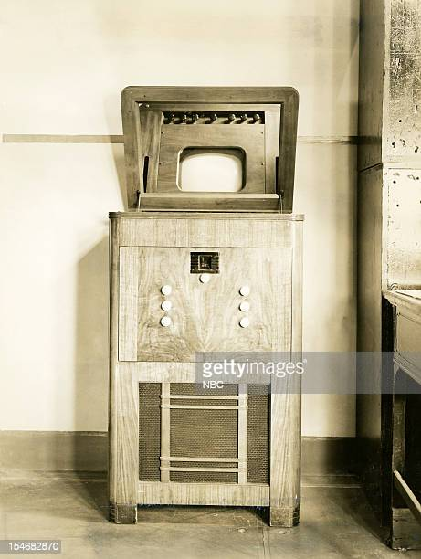 Kinescopes Pictured An early RCA kinescope television receiving set with a 12 inch screen in 1938