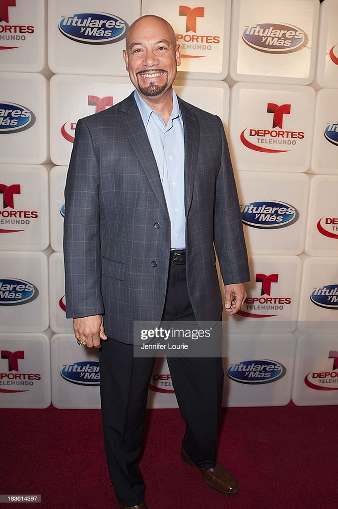 Television host Edgar Lopez attends Deportes Telemundo's celebration of their hit show 'Titulares Y Mas' at Ebanos Crossing on October 7, 2013 in Los Angeles, California.