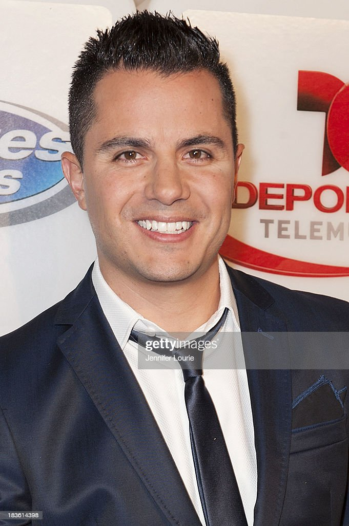 Television host Karim Mendiburu attends Deportes Telemundo's celebration of their hit show 'Titulares Y Mas' at Ebanos Crossing on October 7, 2013 in Los Angeles, California.