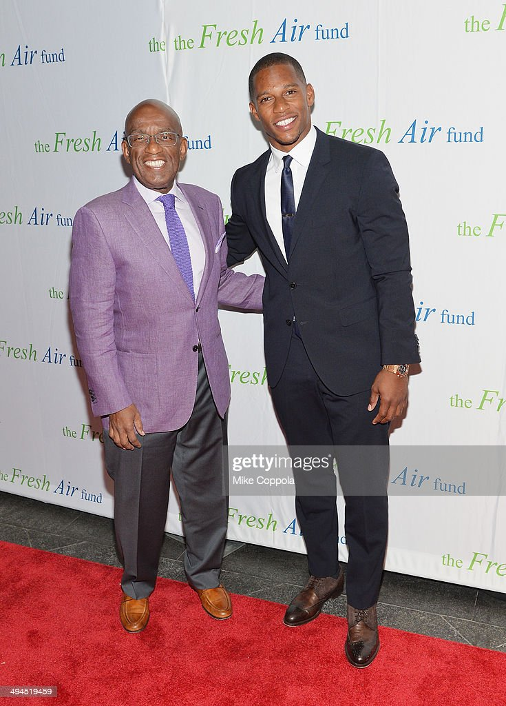 Television personality <a gi-track='captionPersonalityLinkClicked' href=/galleries/search?phrase=Al+Roker&family=editorial&specificpeople=206153 ng-click='$event.stopPropagation()'>Al Roker</a> (L) and Professional football player <a gi-track='captionPersonalityLinkClicked' href=/galleries/search?phrase=Victor+Cruz+-+American+Football+Player&family=editorial&specificpeople=8736842 ng-click='$event.stopPropagation()'>Victor Cruz</a> attend the 2014 Fresh Air Fund Honoring Our American Hero at Pier Sixty at Chelsea Piers on May 29, 2014 in New York City.