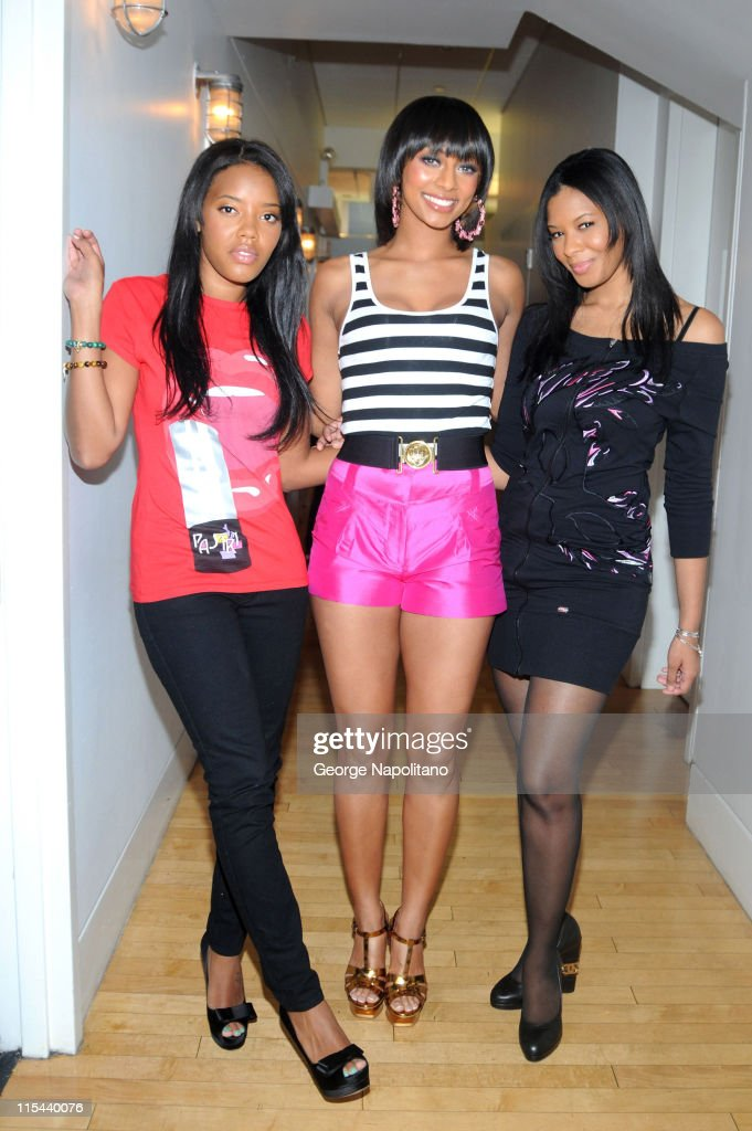 Television personality Angela Simmons singer Keri Hilson and television personality Vanessa Simmons visit MTV's 'TRL' at the MTV studios in Times...