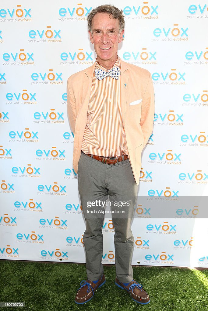 Television personality <a gi-track='captionPersonalityLinkClicked' href=/galleries/search?phrase=Bill+Nye&family=editorial&specificpeople=1016855 ng-click='$event.stopPropagation()'>Bill Nye</a> attends the green carpet launch for the Evox TV debut of Ed Begley's new family show, 'On Begley Street' on September 15, 2013 in Pasadena, California.