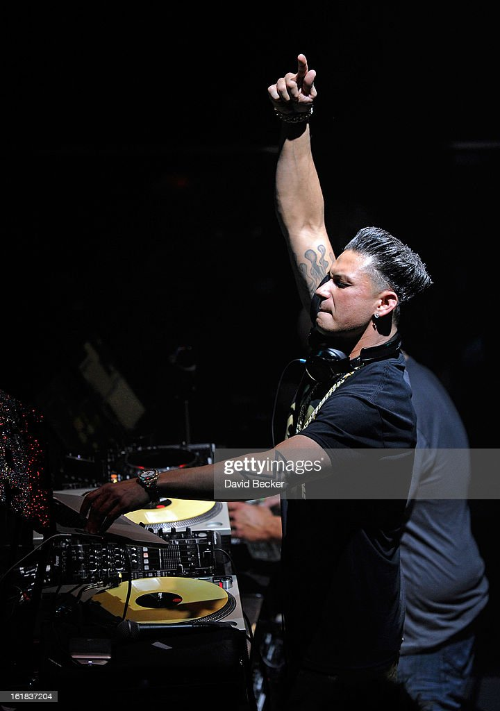 Television personality DJ Paul 'Pauly D' DelVecchio performs at Haze Nightclub at the Aria Resort & Casino at CityCenter on February 16, 2013 in Las Vegas, Nevada.