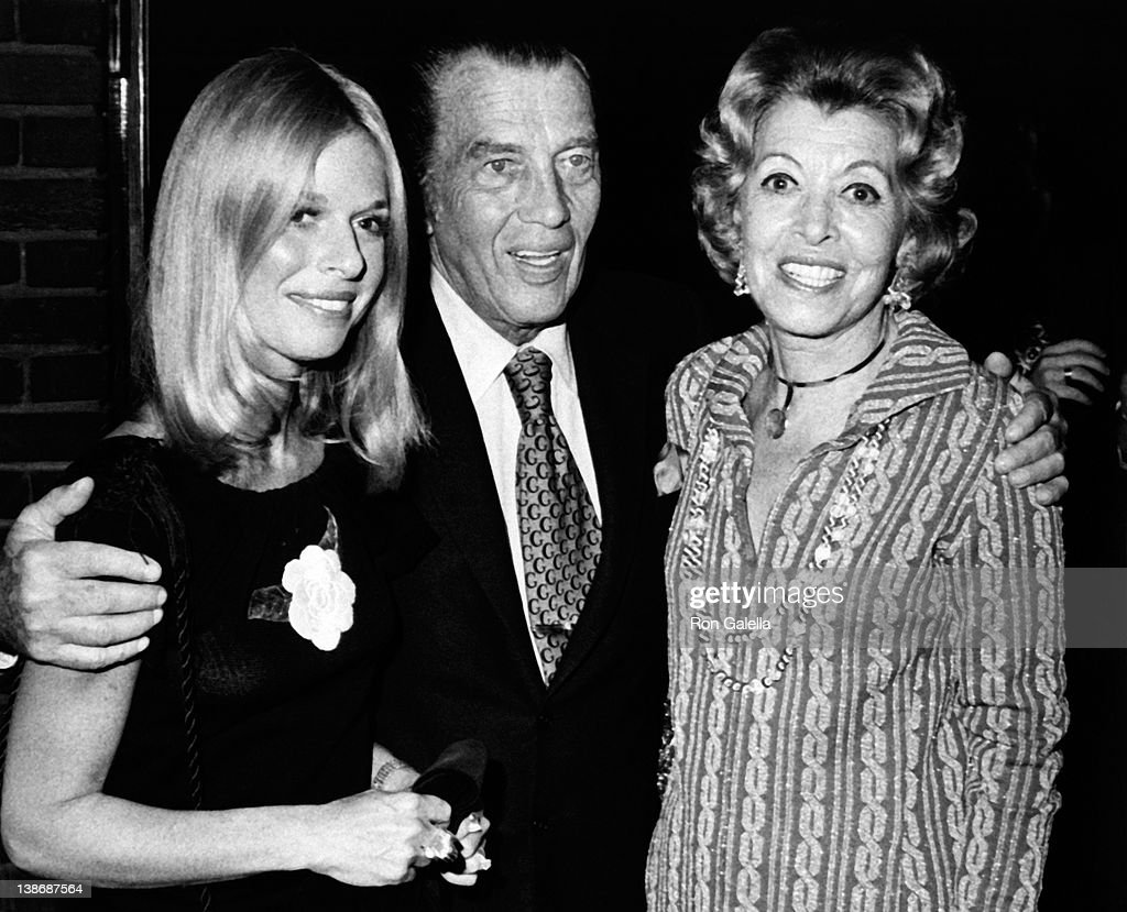 Television Personality Ed Sullivan (C) and wife Sylvia Weinstein (R) attend the grand opening of Jimmy's Restaurant on September 25, 1972 in New York City.