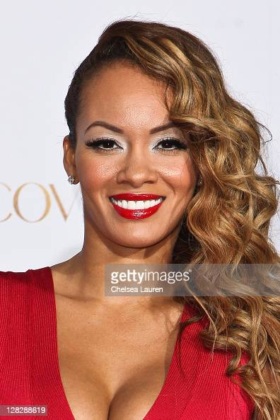 Television personality Evelyn Lozada attends the celebration of Latina Magazine's 15th anniversary at The Globe Theatre on October 5 2011 in...