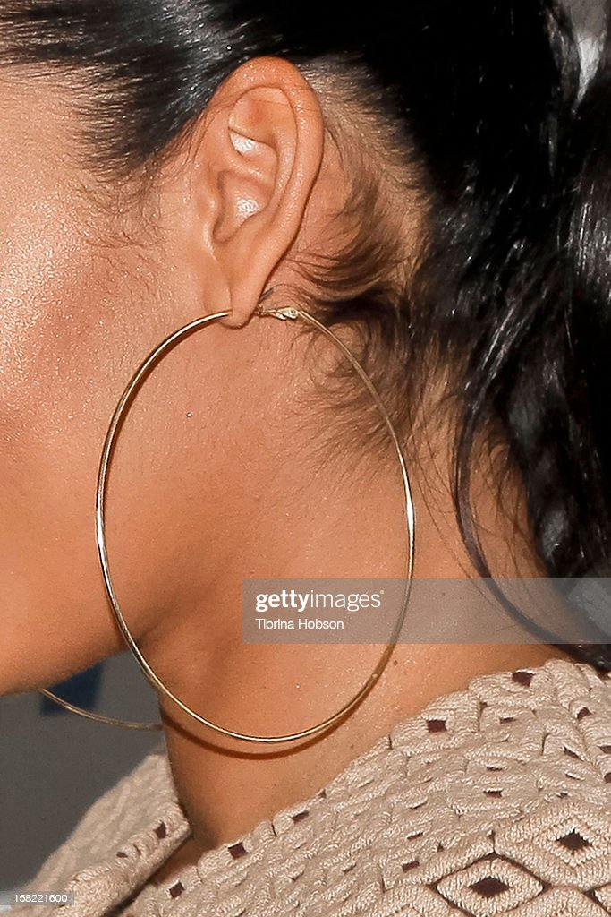 Television personality (jewelry detail) <a gi-track='captionPersonalityLinkClicked' href=/galleries/search?phrase=Evelyn+Lozada&family=editorial&specificpeople=6747068 ng-click='$event.stopPropagation()'>Evelyn Lozada</a> unveils her naked anti-fur ad for PETA at The Bob Barker Building on December 11, 2012 in Los Angeles, California.