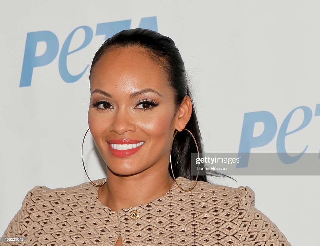 Television personality <a gi-track='captionPersonalityLinkClicked' href=/galleries/search?phrase=Evelyn+Lozada&family=editorial&specificpeople=6747068 ng-click='$event.stopPropagation()'>Evelyn Lozada</a> unveils her naked anti-fur ad for PETA at The Bob Barker Building on December 11, 2012 in Los Angeles, California.