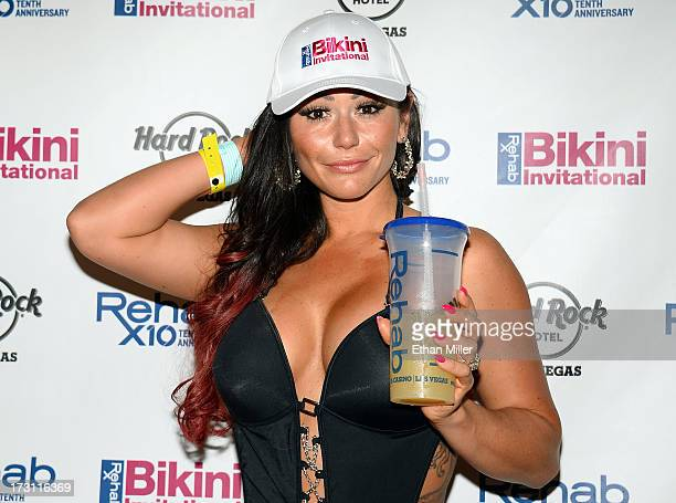Television personality Jenni 'JWOWW' Farley arrives at the Hard Rock Hotel Casino to host the second round of preliminary eliminations for the Rehab...