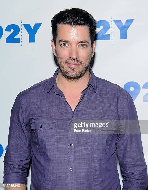Television Personality Jonathan Scott attend the 92nd Street Y Talk With HGTV'S Jonathan And Drew Scott at 92nd Street Y on April 5 2016 in New York...