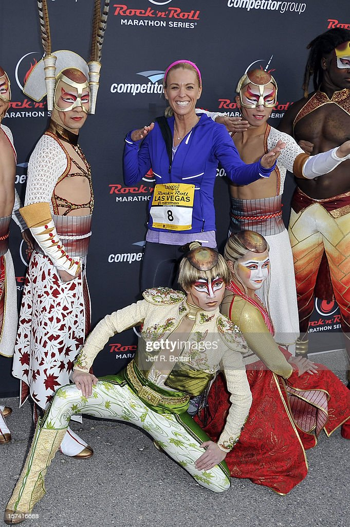 Television personality <a gi-track='captionPersonalityLinkClicked' href=/galleries/search?phrase=Kate+Gosselin&family=editorial&specificpeople=5290883 ng-click='$event.stopPropagation()'>Kate Gosselin</a> (C) arrives with performers from 'Zarkana by Cirque du Soleil' at the Zappos.com Rock 'n' Roll Las Vegas Marathon and Half-Marathon on December 2, 2012 in Las Vegas, Nevada.