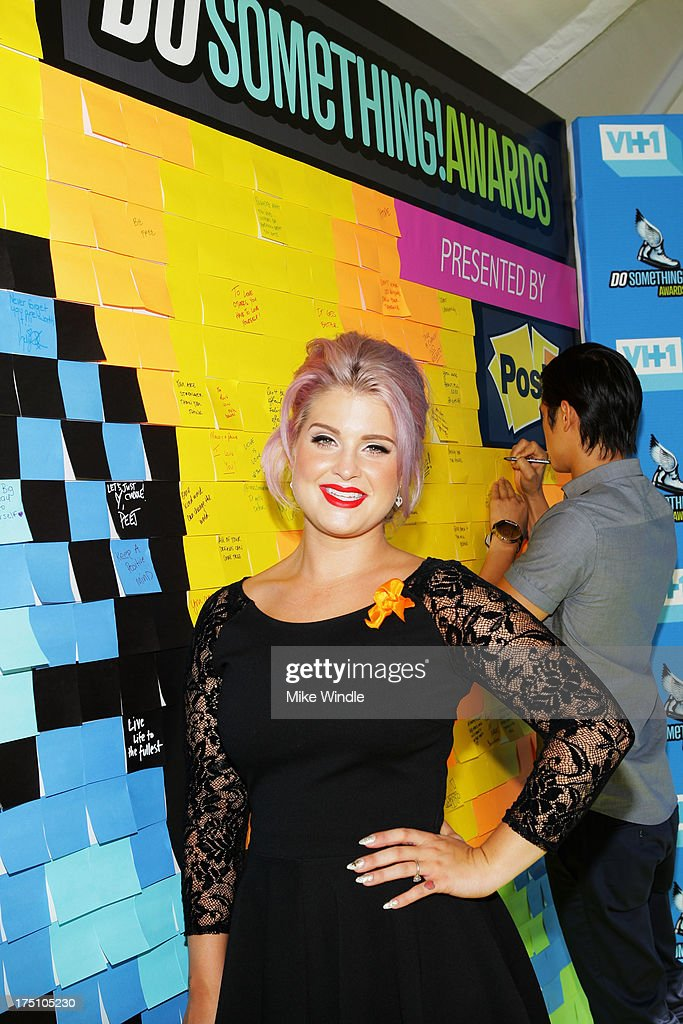 Television personality <a gi-track='captionPersonalityLinkClicked' href=/galleries/search?phrase=Kelly+Osbourne&family=editorial&specificpeople=156416 ng-click='$event.stopPropagation()'>Kelly Osbourne</a> launches Post-it Brand Dreams for Good Contest at the DoSomething.org and VH1's 2013 Do Something Awards at Avalon on July 31, 2013 in Hollywood, California.