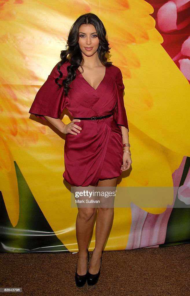 Television personality <a gi-track='captionPersonalityLinkClicked' href=/galleries/search?phrase=Kim+Kardashian&family=editorial&specificpeople=753387 ng-click='$event.stopPropagation()'>Kim Kardashian</a> arrives at Spring 2009 Mercedes-Benz Fashion Week on October 14, 2008 in Culver City, California.
